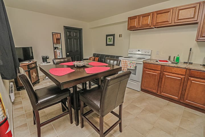 Royal Manor Vacation Rentals #4A