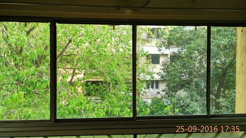Peaceful 1 BHK in heart of Lokhandw - Mumbai