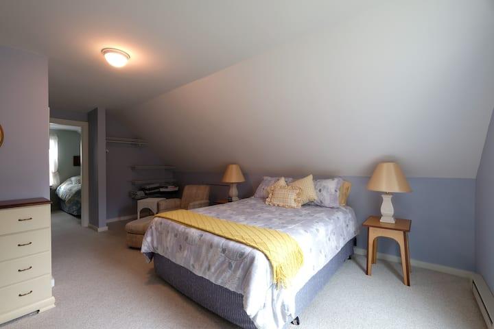 Charming Wolfeboro 2 Bedroom Unit