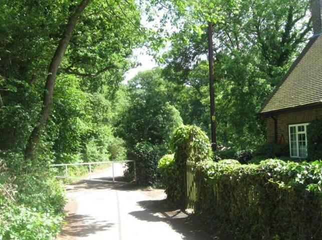 Unique cottage 30mns to centre - Barnet - Casa
