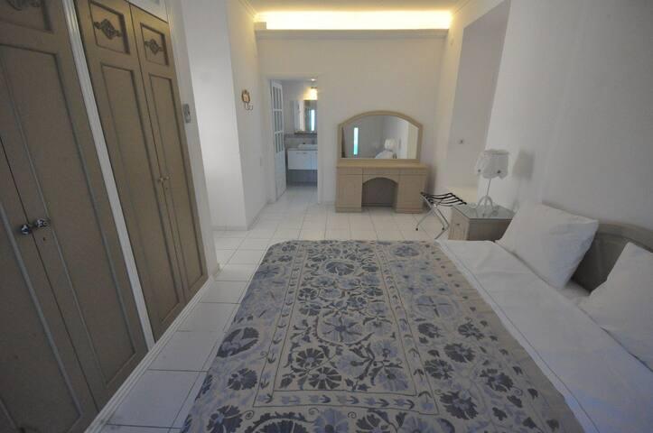 Suite room for 3 in Yalıkavak - Yalıkavak - Bed & Breakfast