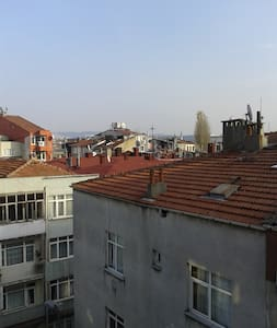Room very central in Besiktas & sunny - Istanbul - Lejlighed