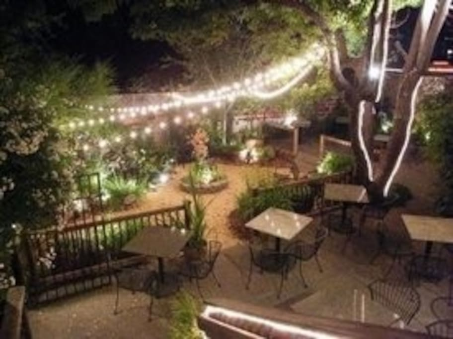 Glen Ellen Inn Grill Bar And Secret Cottages In Glen