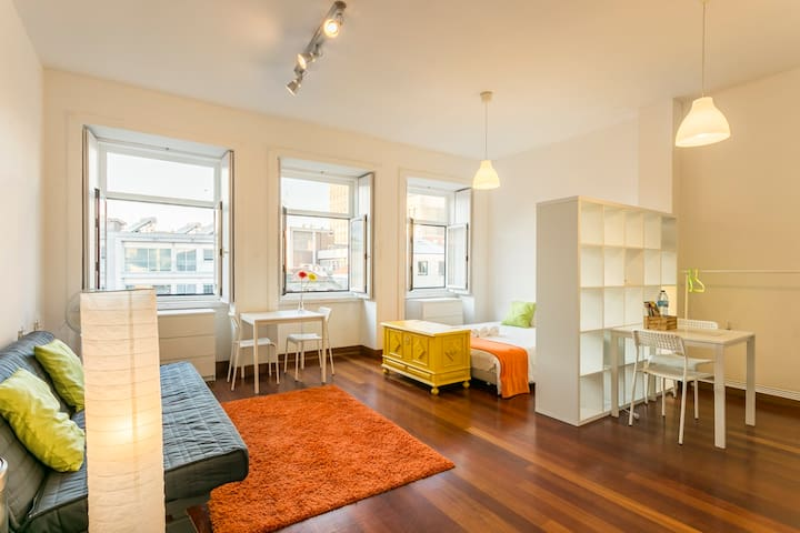 Mind The Gap - Central and Stylish Loft
