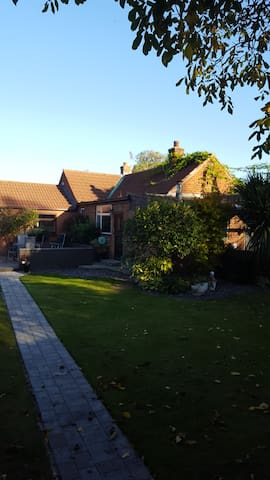 THE WHITE DOVE BED AND BREAKFAST NEWARK ON TRENT