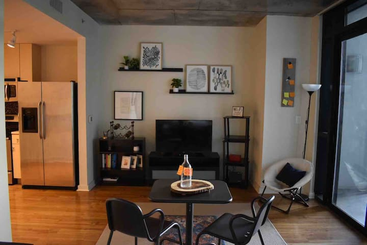 COZY Studio In The Heart of Downtown Orlando!