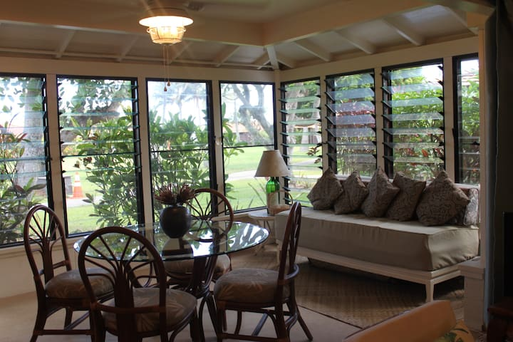 Mokuleia Cottage,30 nights or more , $2750/month