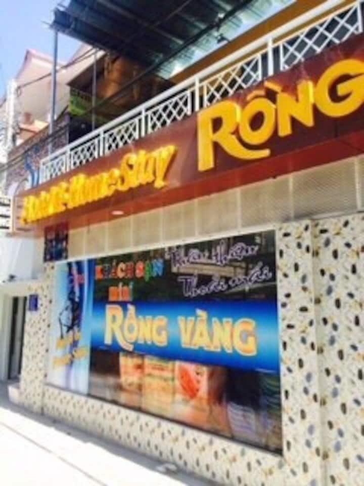 Stay at Rong Vang homestay like at home.