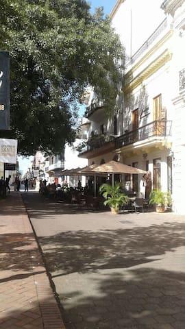 Parque Colon.