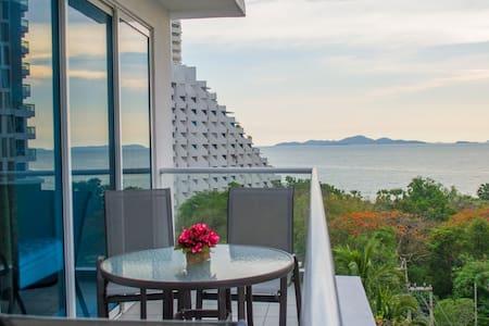 2 bedroom apartment - sea view&jacuzzi&pool. - Muang Pattaya