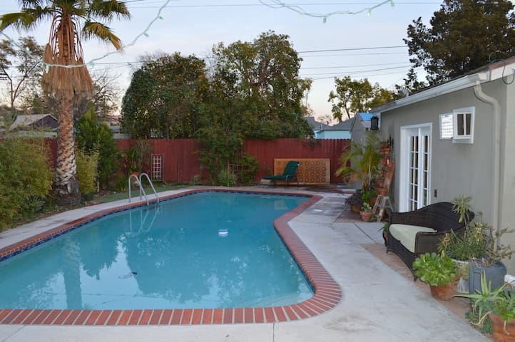 Pool Side Private Studio Guesthouse Noho/Burbank