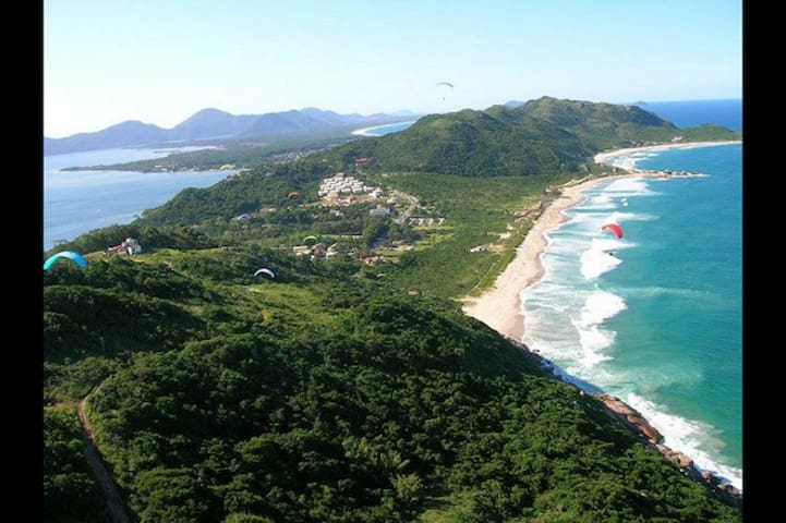 A vida é dura, mas a Praia é Mole, Florianópolis.