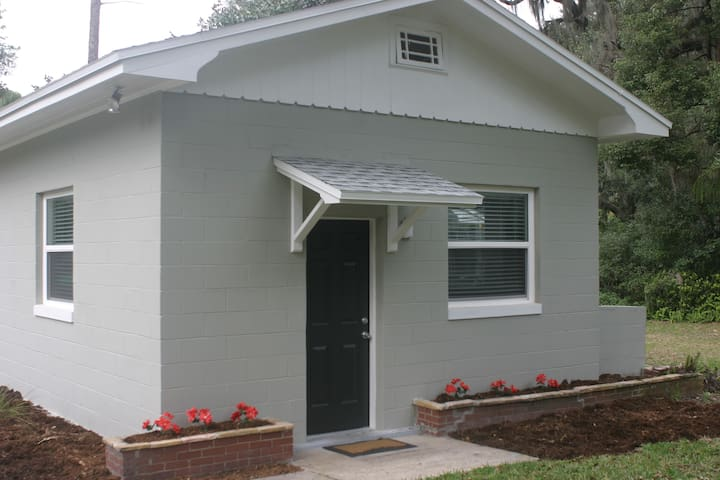 Central Florida cozy guest house - DeLand - Lejlighed