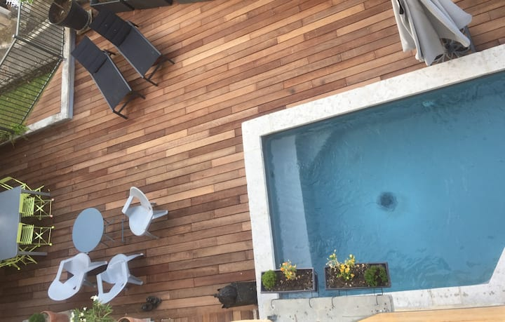 Pretty studio + pool near Cahors