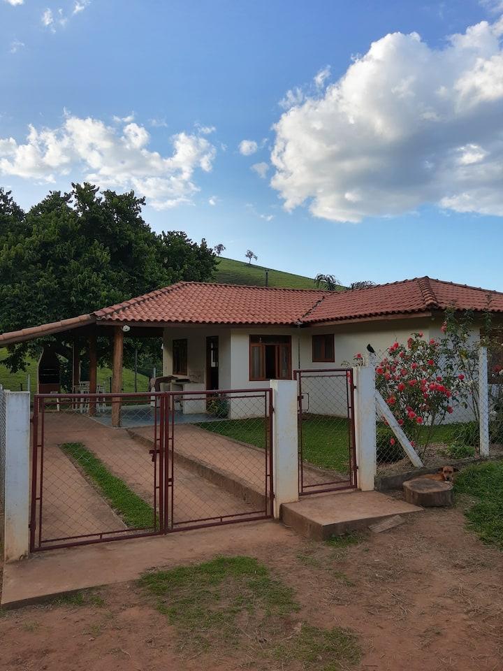 Casa Perto De Cachoeira - Gonçalves
