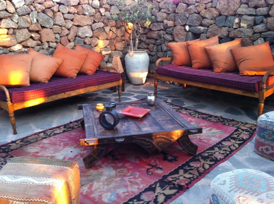 Salottino esterno/Outside living room