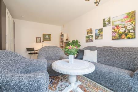 Ferienhaus mit Pool in Natur-Idylle - Brück - Casa