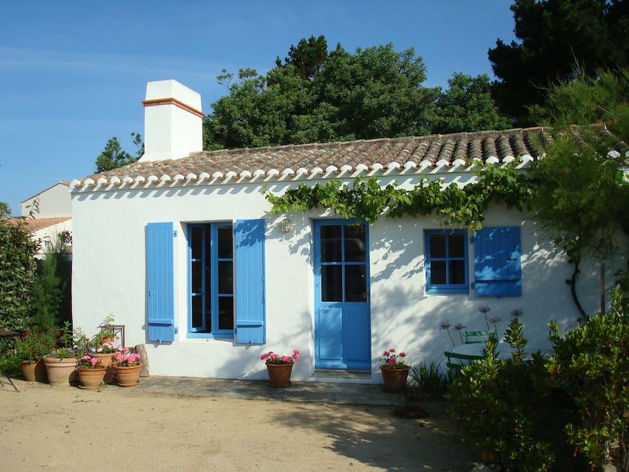 Jolie maison pour deux au vieil pr s de la plage maisons louer noirmout - Maison a noirmoutier ...