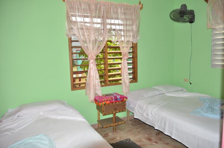 habitación con capacidad para 4 personas