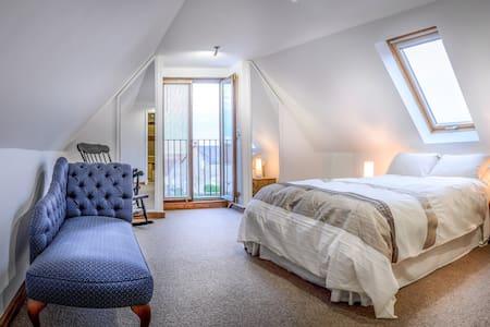 L'Arc de Charme, Spacious Apartment in quiet area - Cussay