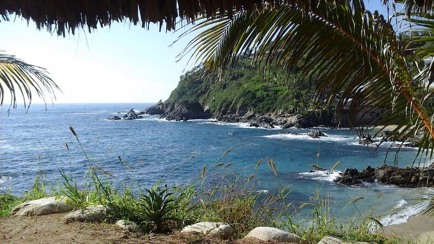 Cabana sobre Roca - Playa Estacahuite