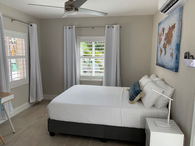 """1-We have a very comfortable Queen bed with 12""""inches  Medium gel Memory foam Mattress By Alwyn Home  2-Smooth Hypoallergenic Waterproof Mattress Cover. 3-Luxurious Down Pillows by Simmons Beautyrest. 4-And 2 more Frost Cooling Memory Foam Pillows"""
