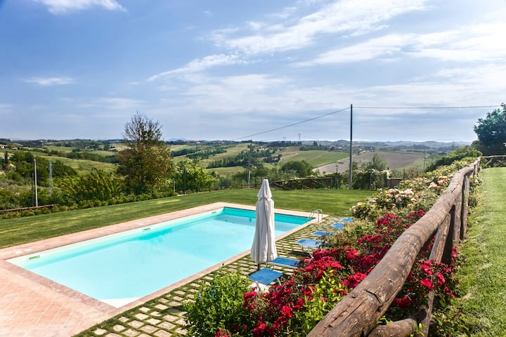 Amazing view, pool and relax, 5+2  - Castelfiorentino