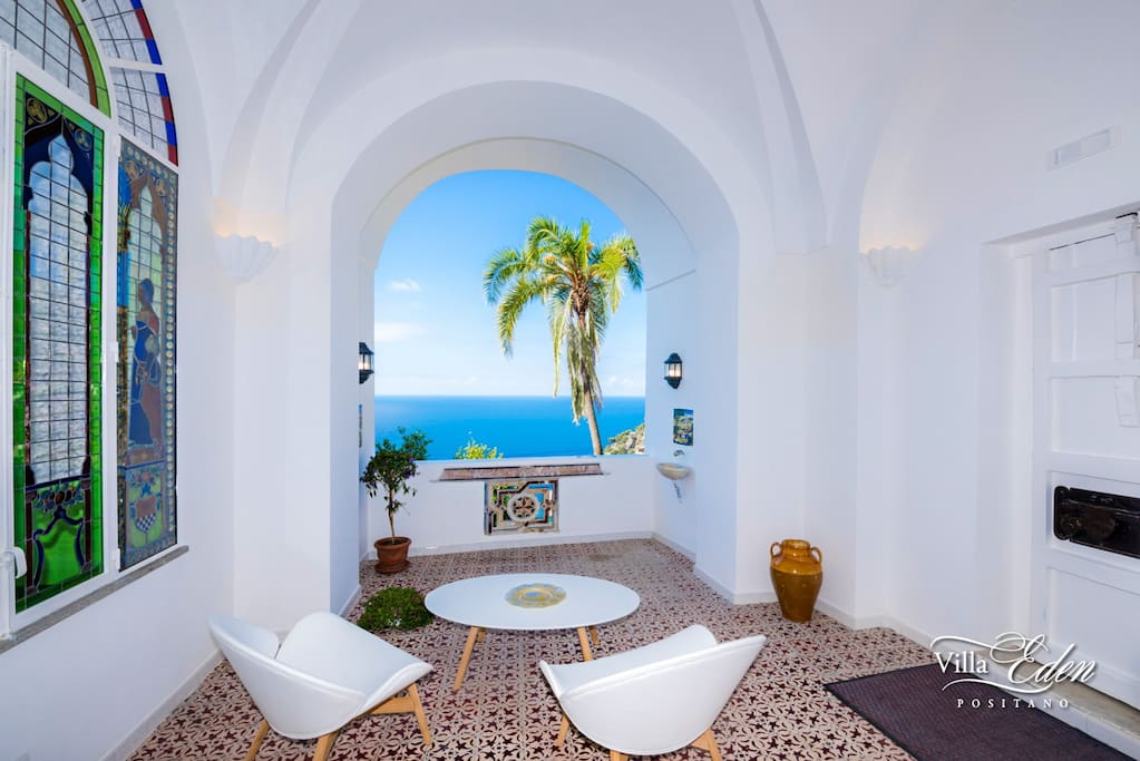 Entrance Patio with sea view