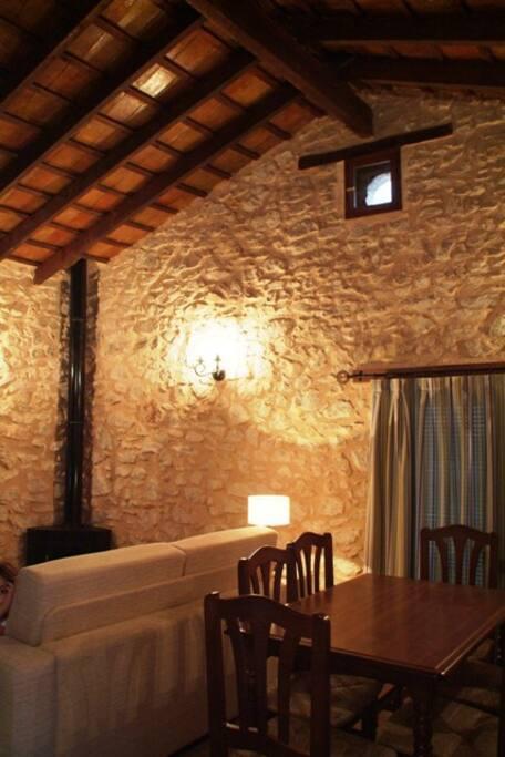 La Alquería del PIlar,  casa 1,estar con chimenea de leña