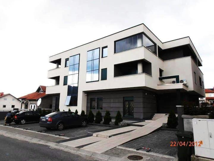 Luxury apartment in Arandjelovac