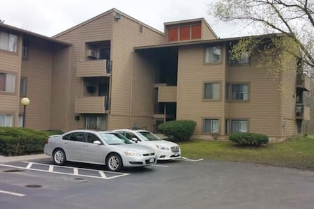 Entire, lovely One-Bedroom Condo in East Syracuse