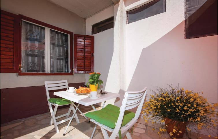 Holiday apartment with 1 bedroom on 32m² in Sibenik
