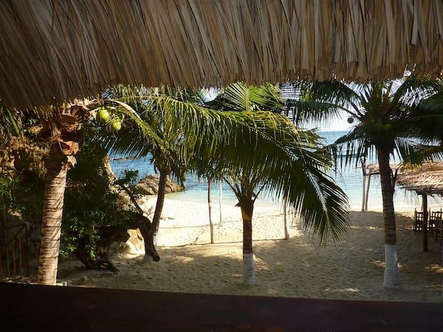 Cabana en la playa - Playa Estacahuite