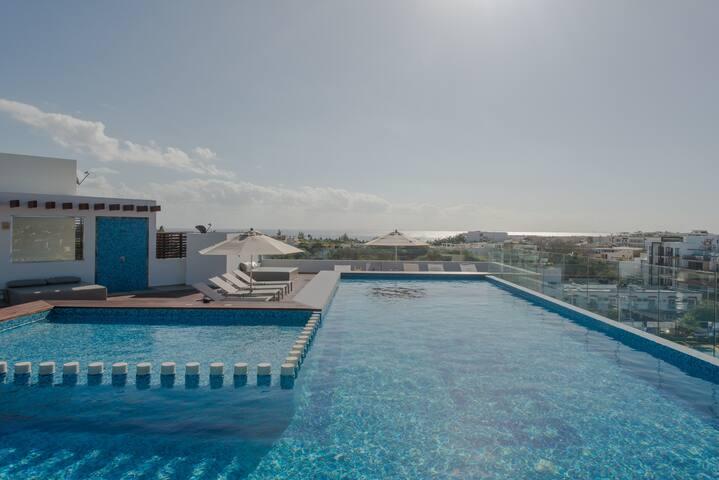 Luxury studio✦rooftop pool w/sea views✦beach 5 min