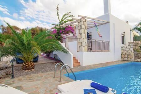 Villa for 4 in Agia Triada-Rethymno - Agia Triada - Hus