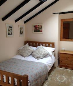 Very small and cosy 1 bedroom cottage in croyde - Maison