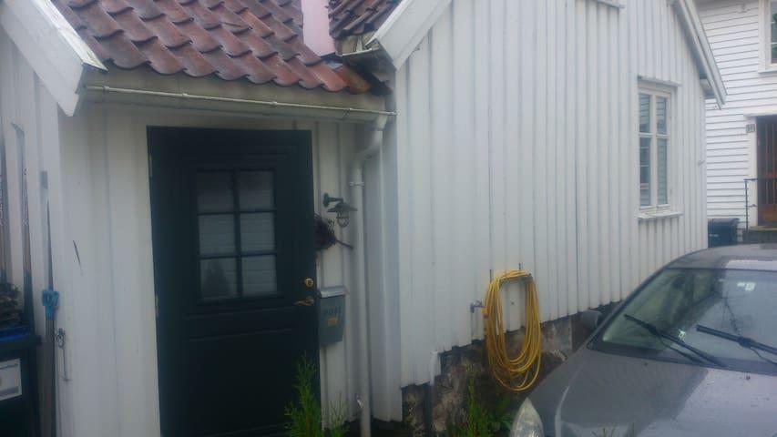 Mandal sentrum, Gustav Vigelandsvei nr 5 - Mandal - Haus