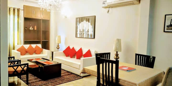 Short Stay Luxury 3BHK in Defence Colony (LIFT).
