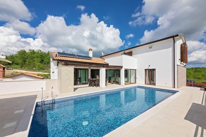 Cosy Villa Mala Halu in central Istria