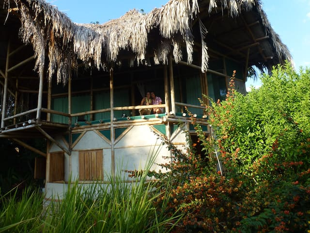 Bamboo House in the Jungle. - Minca - Dom
