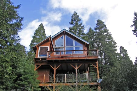 Cabin in the Giant Sequoias - Springville