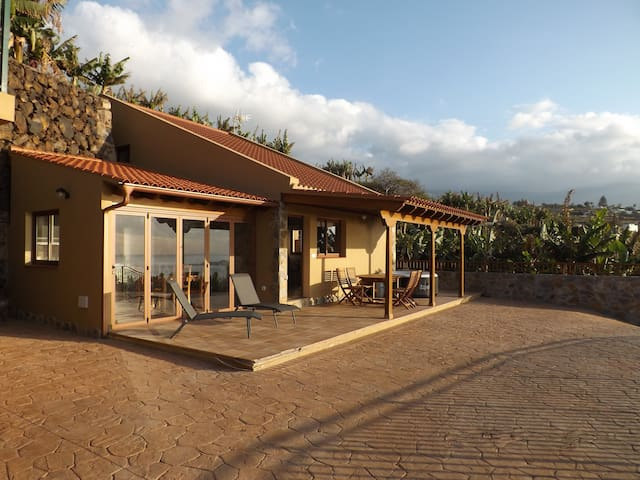 Sea View Design House in a Banana Paradise...
