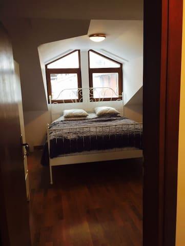 split level  2 bed penthouse