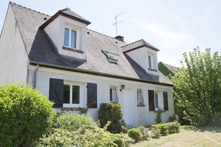 Maison near Paris.