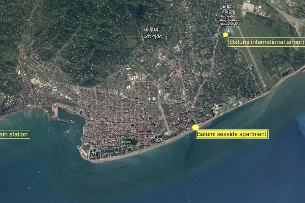 Satellite picture of Batumi. My apartment is 3.5 km away from Batumi International Airport and very close to the beach.