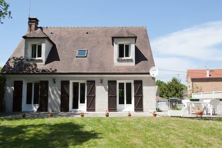 House between Paris and Disney-Land