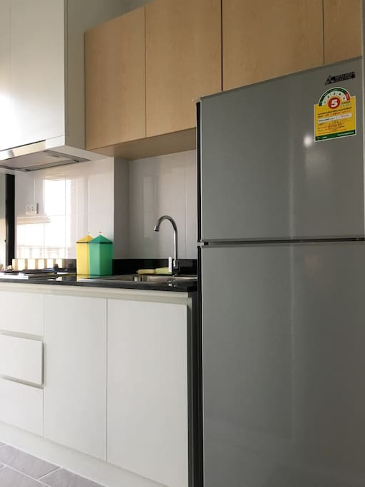 More convenion store and fresh market nearby. You can cooking some easy food in my tiny kitchen