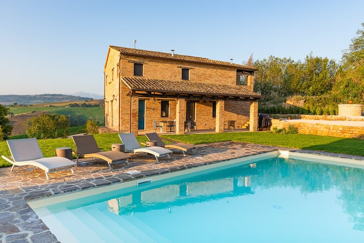 Casa Pace e Gioia -privacy, pool, amazing views