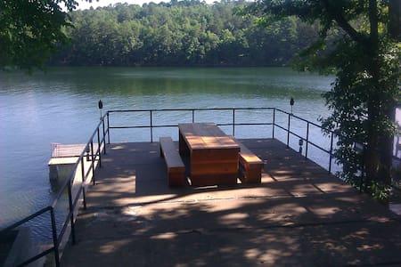 Lake Hamilton waterfront home! - Hot Springs Natl Park - Ev