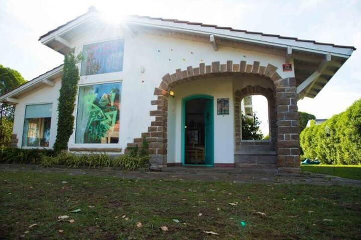 BAI BAI Surf Hostel